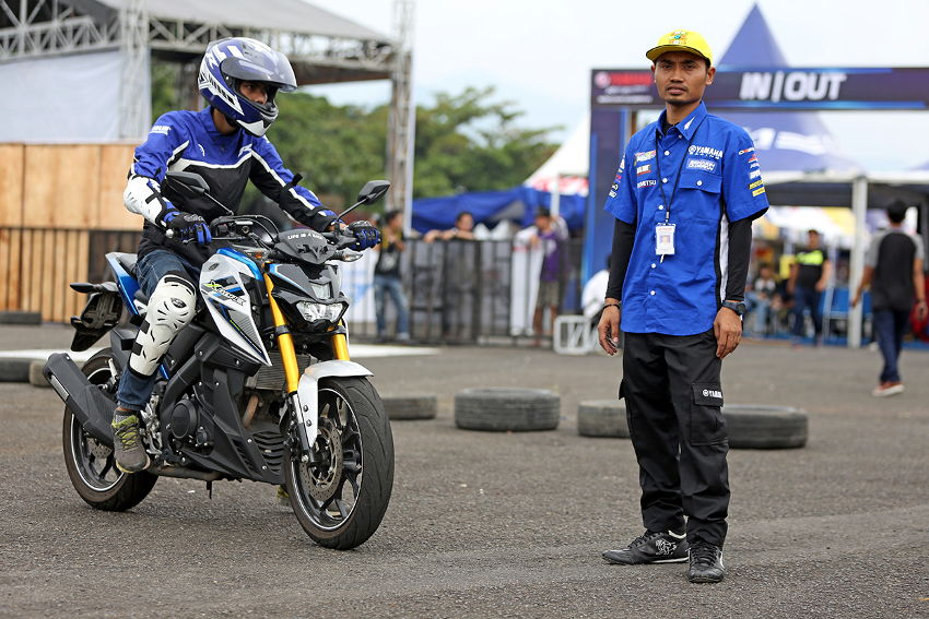 Seleksi All New R15 Riding Experience